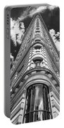 Flatiron Building  Nyc Portable Battery Charger