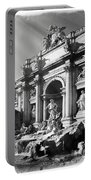 Fontana Di Trevi Rome, Italy - Bw Portable Battery Charger