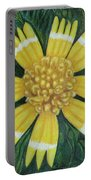 Huisache Daisy Portable Battery Charger