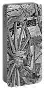 Montana Old Wagon Wheels Monochrome Portable Battery Charger