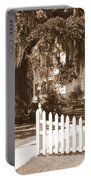 Mossy Live Oak And Picket Fence Portable Battery Charger