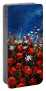Red Poppies 451108 Portable Battery Charger