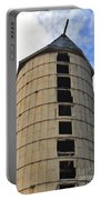 Silo History Portable Battery Charger