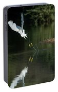 Snowy Egrets 080917-4290-1 Portable Battery Charger