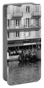 Summer Feelings Saint - Tropez Portable Battery Charger