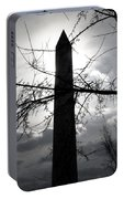 The Washington Monument - Black And White Portable Battery Charger