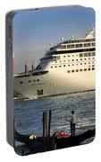 Venice Cruise Ship 2 Portable Battery Charger