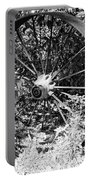 Wagon Wheel In B W Portable Battery Charger
