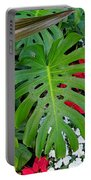 Waikiki Split Leaf Portable Battery Charger