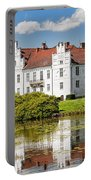 Wanas Slott With Reflection Portable Battery Charger