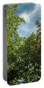 Folhas De Outubro Portable Battery Charger