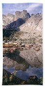 Cirque Of The Towers In Lonesome Lake   Beach Towel