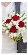 Red Rose And White Tulip Wedding Bouquet Beach Towel