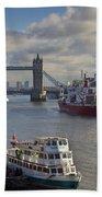 River Thames View Beach Towel