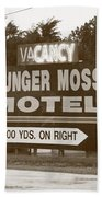 Route 66 - Munger Moss Motel Sign Beach Towel