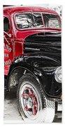 Vintage International Truck Beach Towel by Douglas Barnard