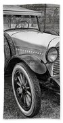 1921 Hudson-b-w Beach Towel