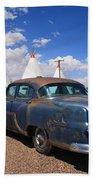 Route 66 Wigwam Motel And Classic Car Beach Towel