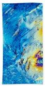 Sodium Thiosulphate Crystals In Polarized Light Beach Towel