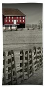 Battlefield Barn Beach Towel