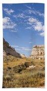 Courthouse And Jail Rocks - Bridgeport Nebraska Beach Towel