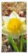 Daffodil Under Water Beach Towel
