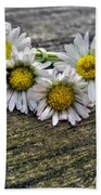 Daisies In Wreath Beach Towel