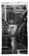Engine Room Queen Mary 02 Bw 01 Beach Towel