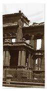 James Clair Flood Mansion Atop Nob Hill San Francisco Earthquake And Fire Of April 18 1906 Beach Towel