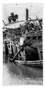 Mary D Hume Shipwreck - Rogue River Oregon Beach Towel