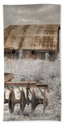 Missouri Barn Beach Towel