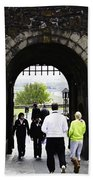 Oil Painting - Staff And Tourists At The Entrance Of Stirling Castle Beach Towel