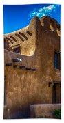 Old Adobe Building Santa Fe New Mexico Beach Towel