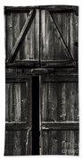 Old Barn Door - Bw Beach Towel
