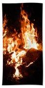 Phoenix Se Levant Des Flammes Beach Towel