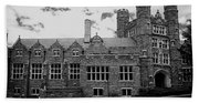 Rockefeller Hall - Bryn Mawr In Black And White Beach Sheet