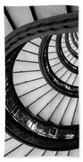 Rookery Building Looking Up The Oriel Staircase - Black And White Beach Towel