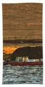 Shaver Tug On The Columbia River Beach Towel