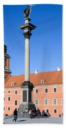 Sigismund's Column And Royal Castle In Warsaw Beach Towel