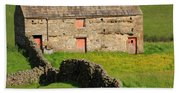 Stone Barn With Red Doors In Swaledale Yorkshire Dales Beach Towel