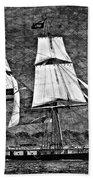 Us Brig Niagra Texture Overlay Bw Beach Towel