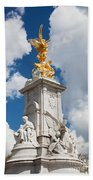 Victoria Memorial Next To Buckingham Palace London Uk Beach Towel