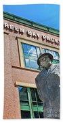 Vince Lombardi Statue Lambeau Field Beach Towel