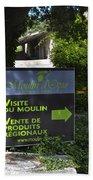 Visite Du Moulin Beach Towel
