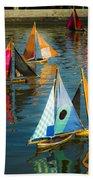 Bateaux Jouets Beach Towel