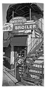 Bud'd Broiler New Orleans-bw Beach Towel
