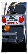 Eat Washington Apples2 Beach Towel