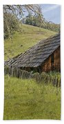 Old Barn On Highway 20 Beach Towel