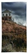 Old Farmhouse With Stormy Sky Beach Towel