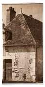 Old Kitchen House Beach Towel